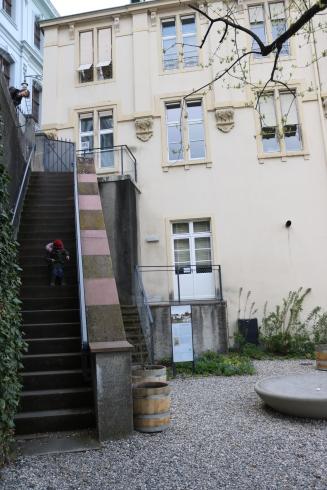 Im Garten der alten Universität Basel